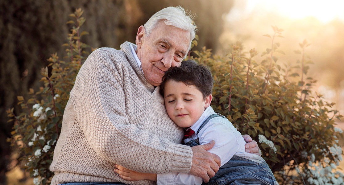 El Alzheimer: qué es y cómo explicárselo a niños y adolescentes